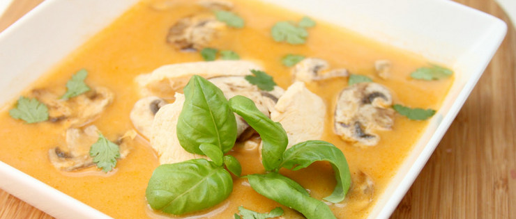 Curried Chicken, Mushroom and Zucchini Soup